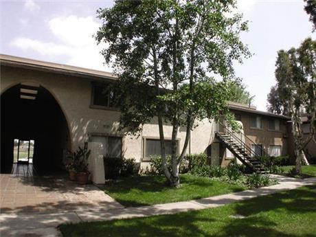 175 N Feldner Rd Apartments, Orange, CA