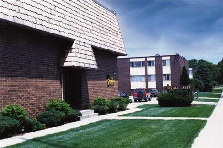 535 Emerald St. Apartments, Iowa City, IA