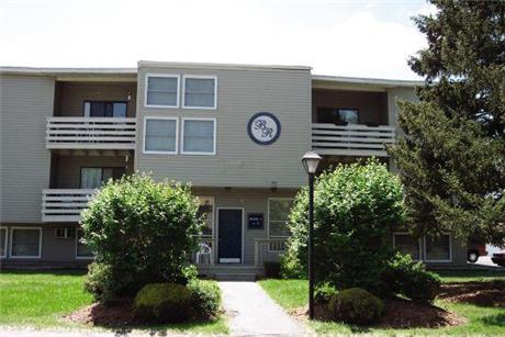 4320 Arlington Circle Apartments, Liverpool, NY