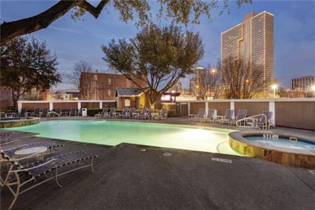 1000 Henderson Street Apartments, Fort Worth, TX