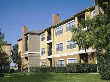 195 E Round Grove Rd Apartments, Lewisville, TX